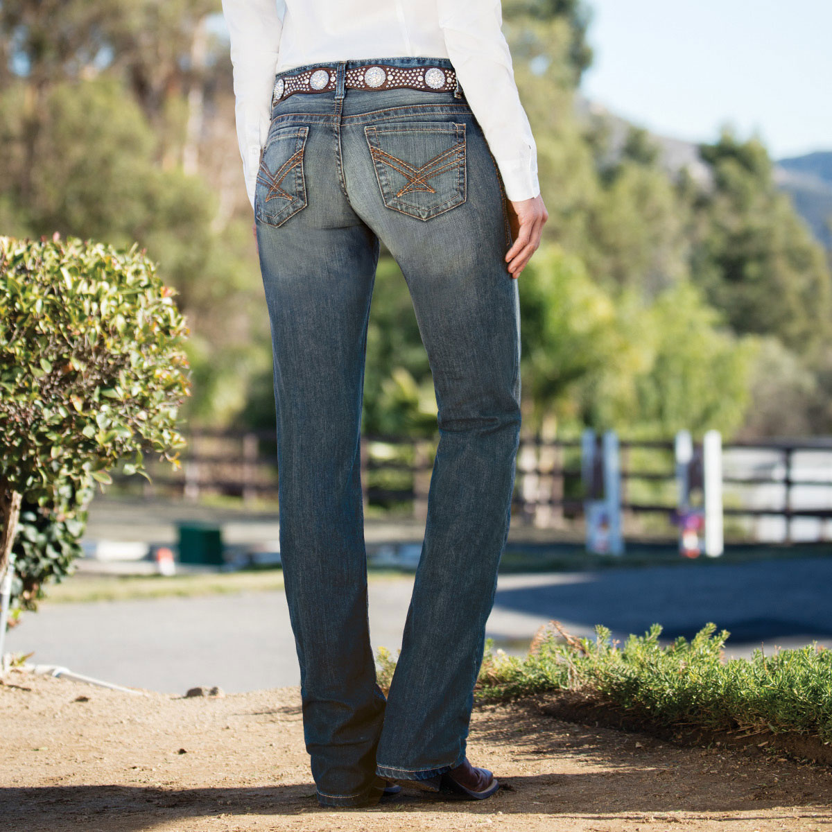 Cinch Women's Ada Relaxed Fit Jeans