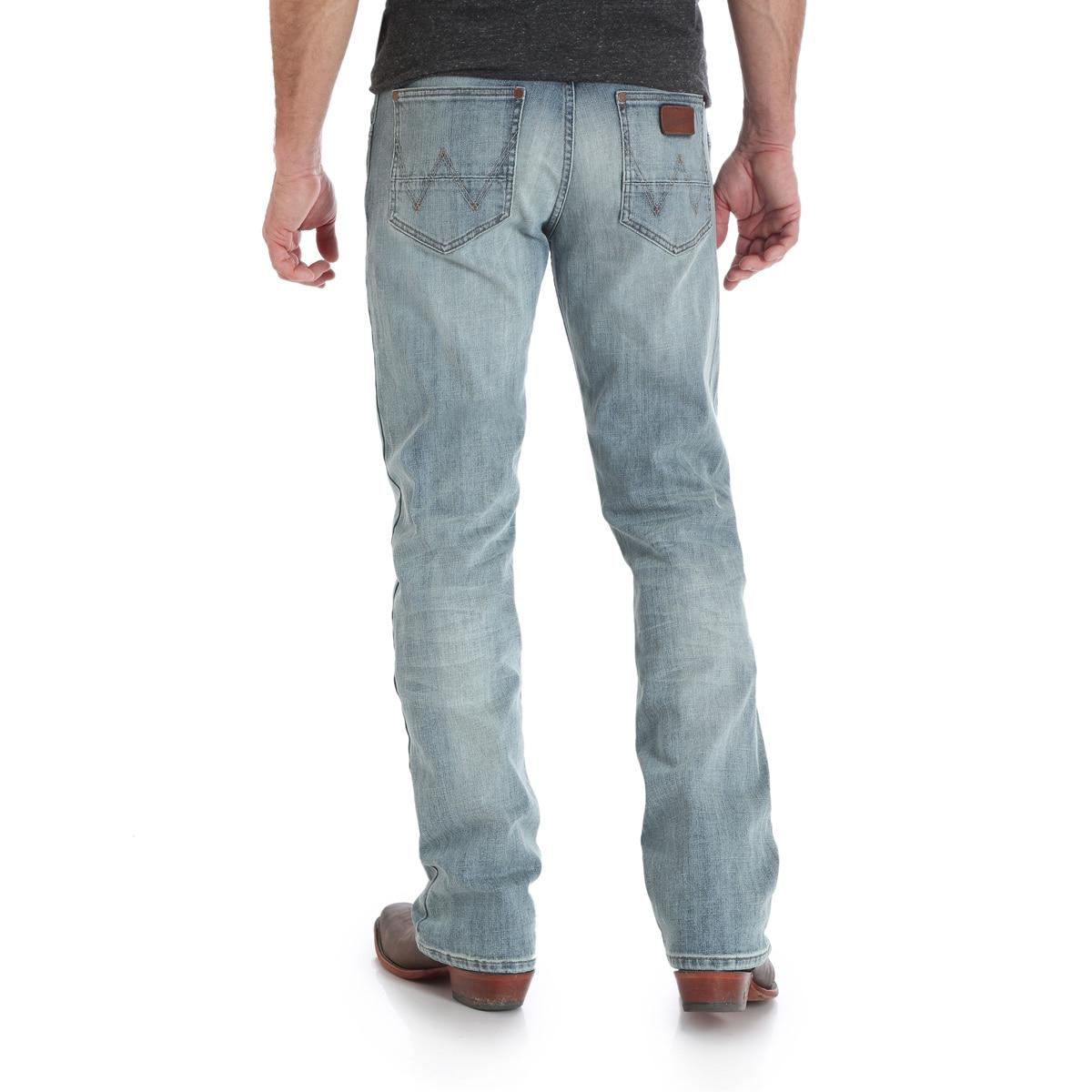 f16a2cc6d48 Wrangler Men's Retro® Slim Fit Bootcut Jeans - BR Wash