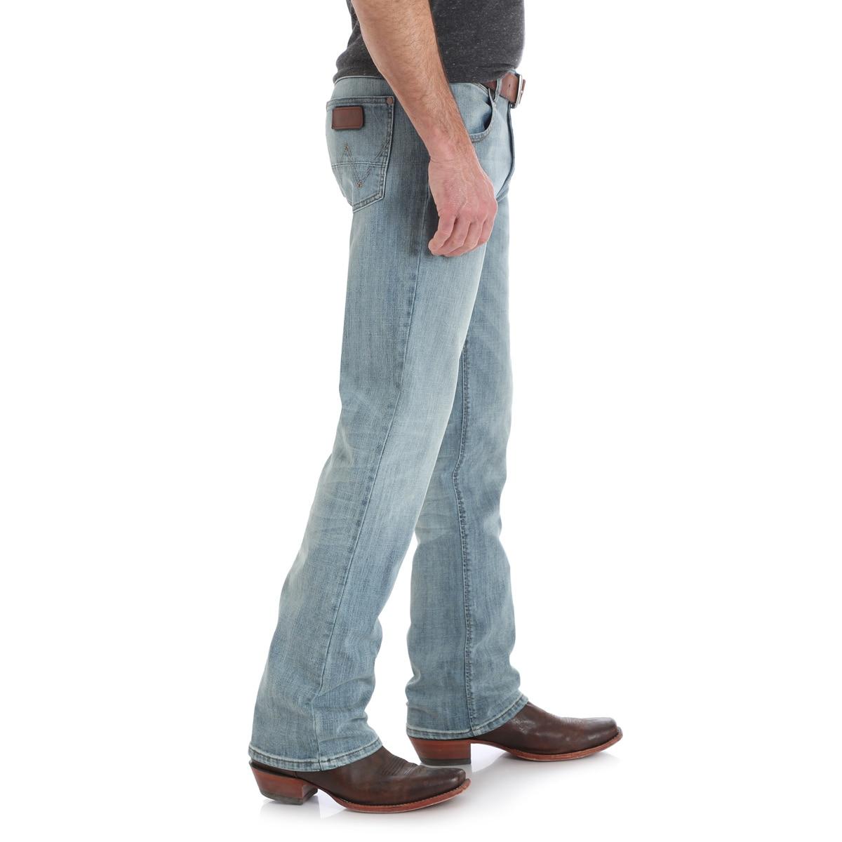 c8557181 Wrangler Men's Retro® Slim Fit Bootcut Jeans - BR Wash